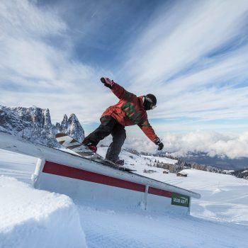 Snowboarding on the Alpe di Siusi in the Snowpark King Laurin